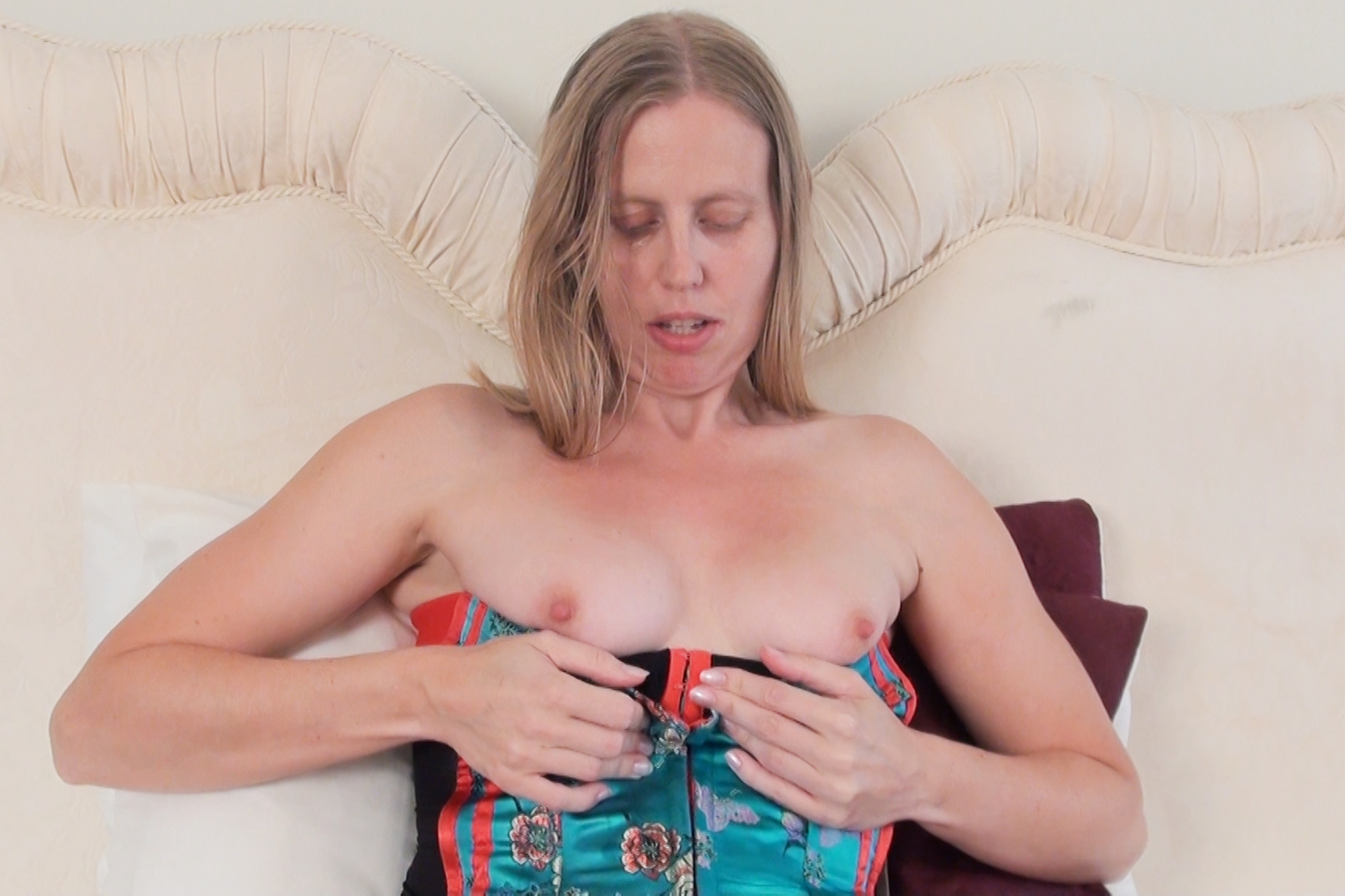 Sammie - Models - Dirty Doctor's Videos at Dirty Doctor's Videos